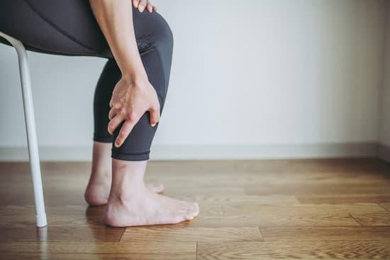 Dolore ai polpacci quando cammino : Cause e trattamento..