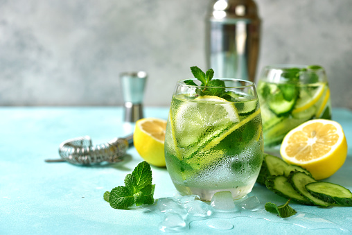 acqua e limone contro i parassiti intestinali